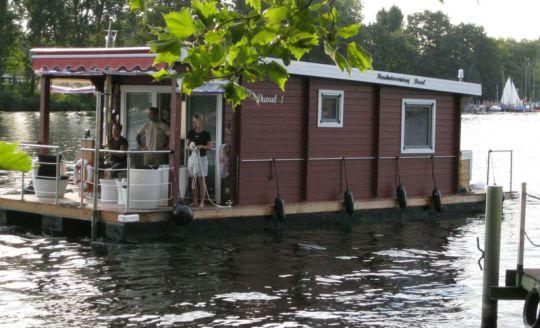 Hausboot von Udo Blaschke für Hausbooturlaub in Berlin und Brandenburg